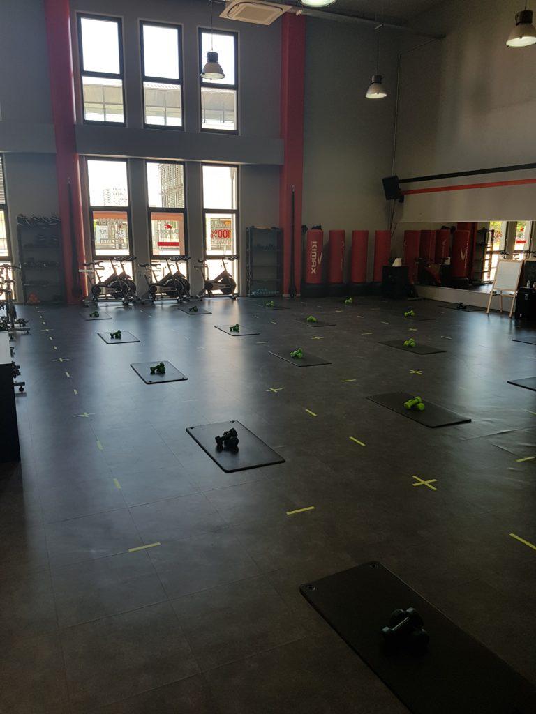 mesures barrières : 5 m² par personnes dans la salle de sport